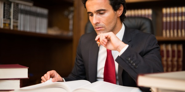 How an Estate Lawyer Can Help For Settling Probate Process